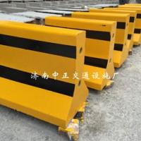 厂家供应60cm水泥隔离墩 公路防撞墩 小区物业道路隔离设施